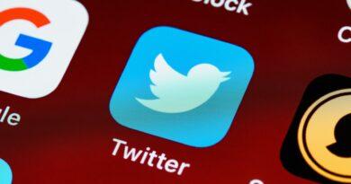 Algorytm Twittera faworyzuje prawicę. Serwis nie wie dlaczego